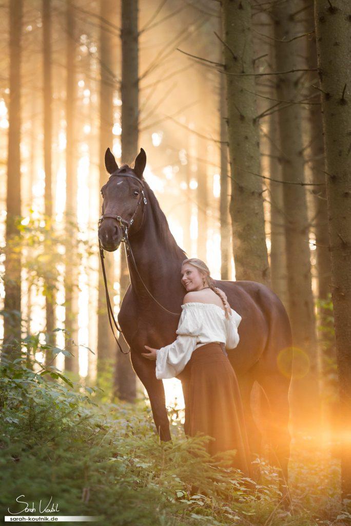 Pferdefotografie München | Sonnenaufgang | Morgennebel | Sarah Koutnik Fotografie