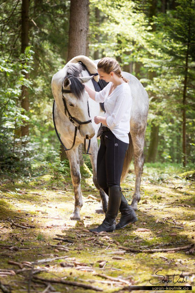 Pferdefotografie München | Sarah Koutnik Fotografie | Pferdefotoshooting im Frühling