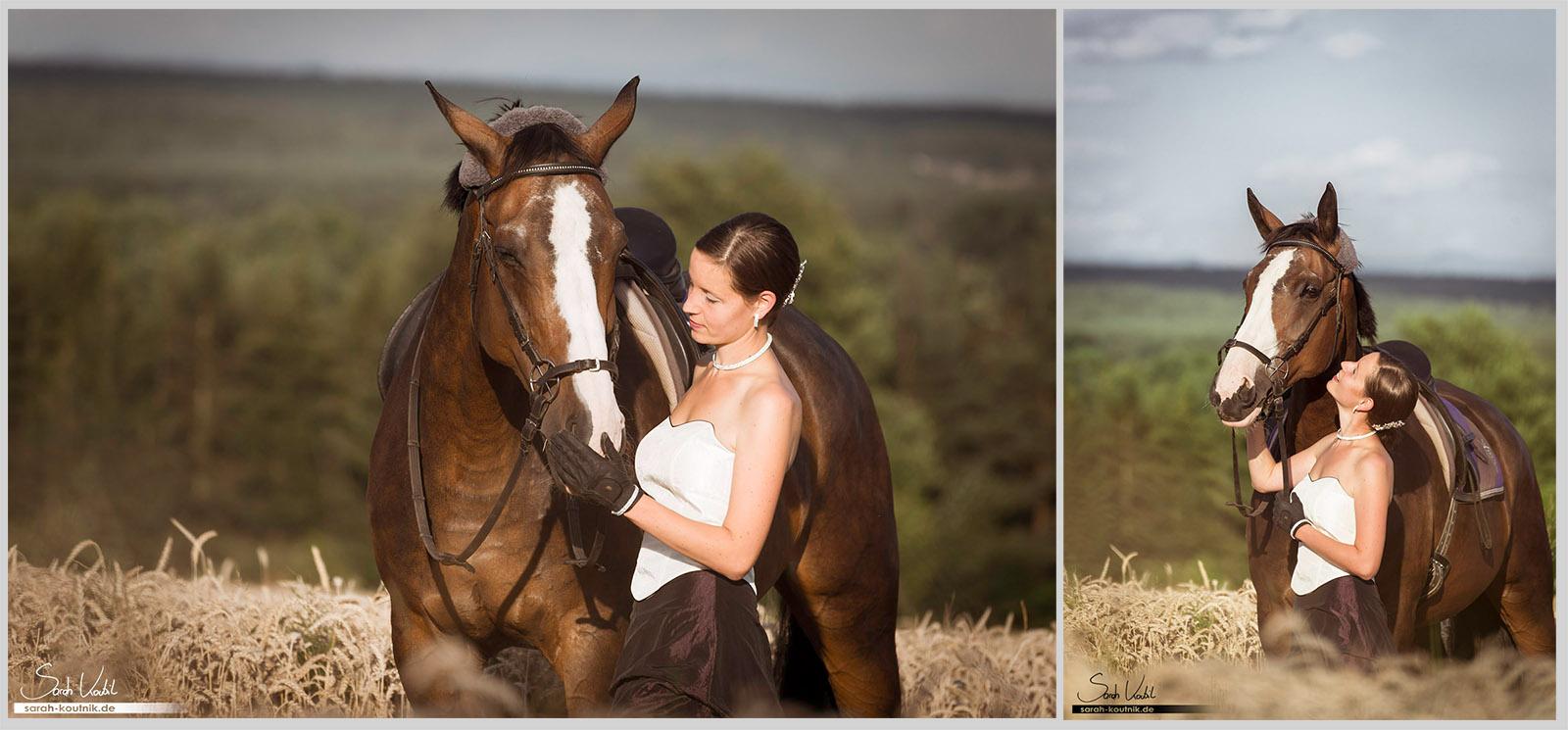 Warmblutstute Paula mit Besitzerin Johanna im Hochzeitskleid gemeinsam im Abendlicht im Weizenfeld - Collage aus zwei Fotos | Pferdefotografie München