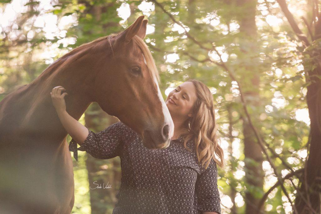 Lichtfuchs Stute | Pferdefotoshooting | Sarah Koutnik Fotografie | Pferdefotografie München